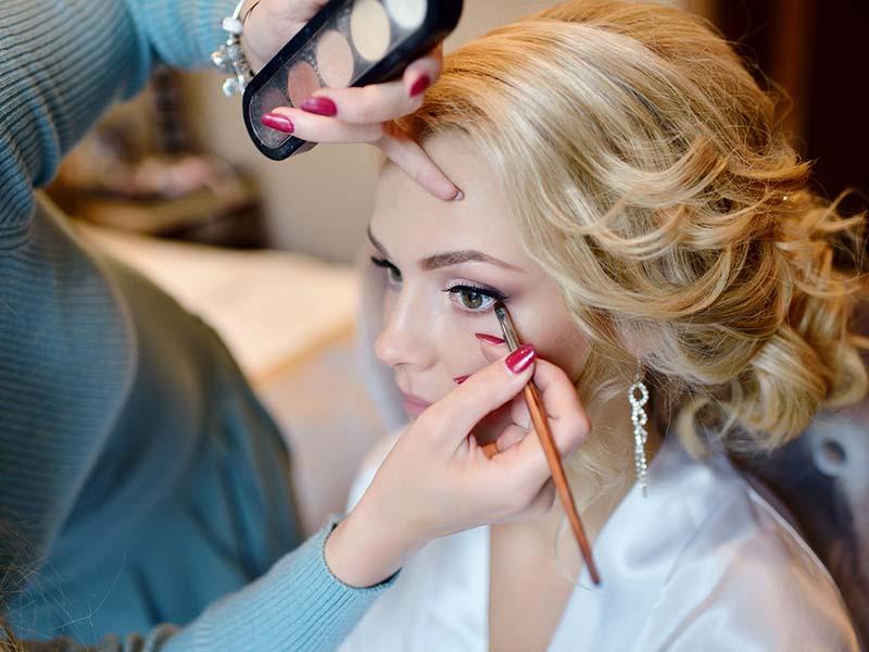 Каким должен быть свадебный макияж и маникюр?